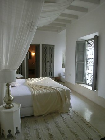 Riad Snan13: room