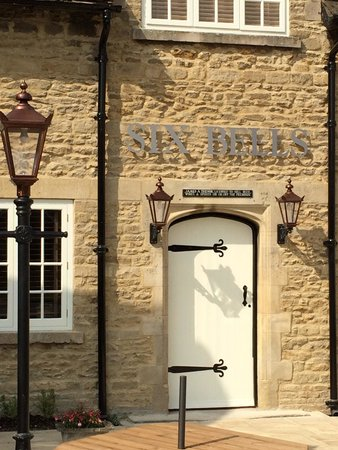 Bourne, UK: Six bells pub