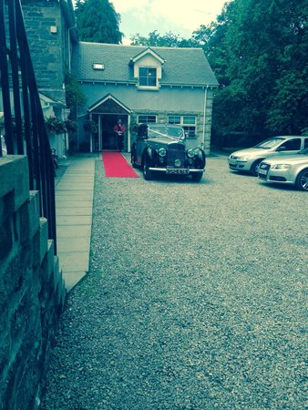 Columba House Hotel: Wedding Car by #Bygonedrives @ #columbahousehotel