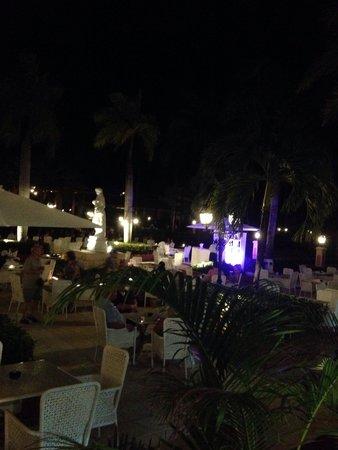 Grand Bahia Principe Punta Cana : Evening Drinks @ the Lobby!!
