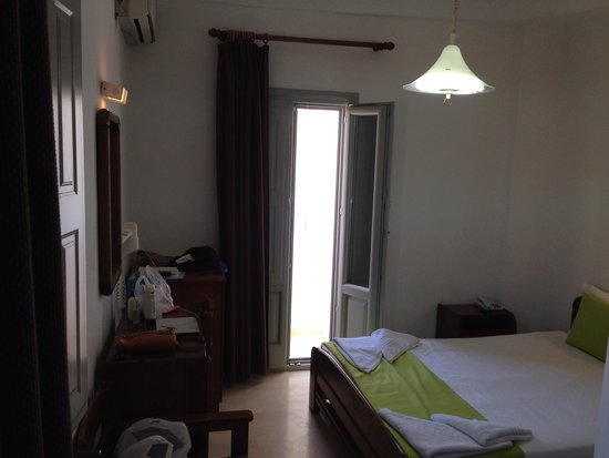 Hotel Makarios : Room