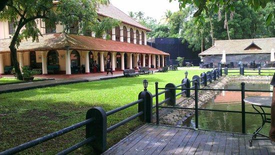 Vivanta by Taj - Kumarakom: Main Block with restaurant