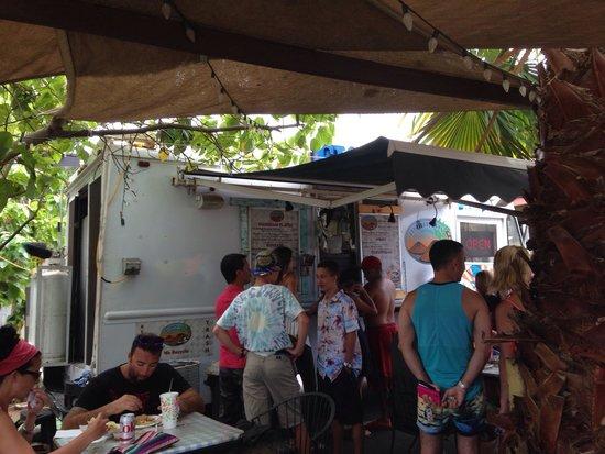 Horhitos Taqueria: The food truck