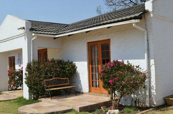 Blue Mango Lodge : Jacaranda room
