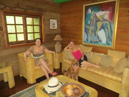Arabian Farm Luxury Villas: The family room