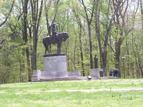 Guilford Courthouse National Military Park: Guilford Battle Monument