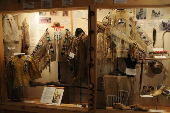 Rogue's Gallery: 19th century American Indian War Shirts