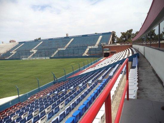 Fanaticos Futbol Tours: Nacional
