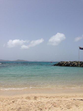 Nanny Cay Marina & Hotel: Beach at Nanny Cay