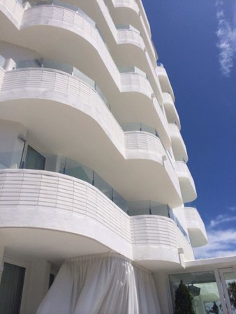 FERGUS Style Mar Mediterrania: Hotel from under! So pretty
