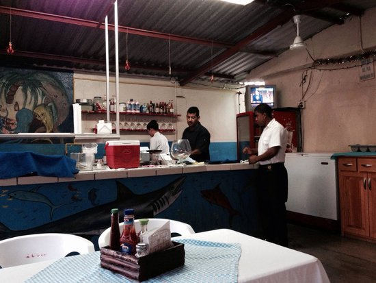 Mariscos la Palmita: Amazing chefs and service