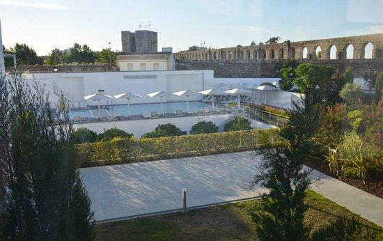 Hotel M'Ar De AR Aqueduto -Évora(vista geral da piscina)