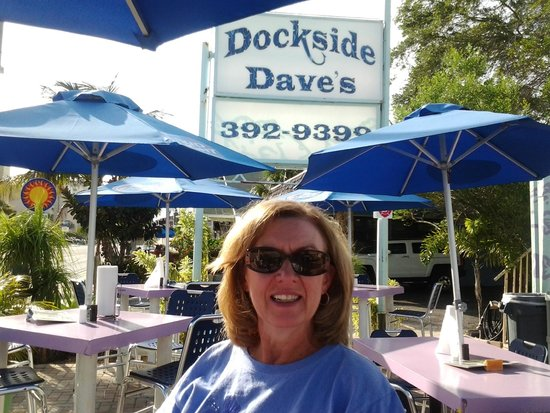 Dockside Dave's : Patio dining