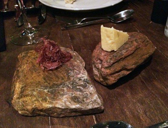 Roberta Sudbrack: Manteiga e presunto na pedra.