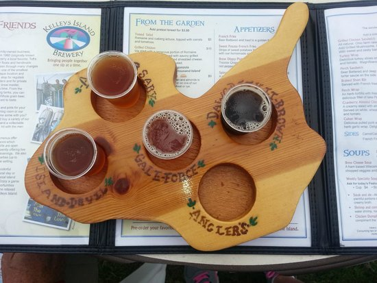 Kelleys Island Brewery : Flight on brews made at Kelley's Island Brewery