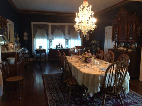 Sautee Inn Bed and Breakfast : One of two dining areas
