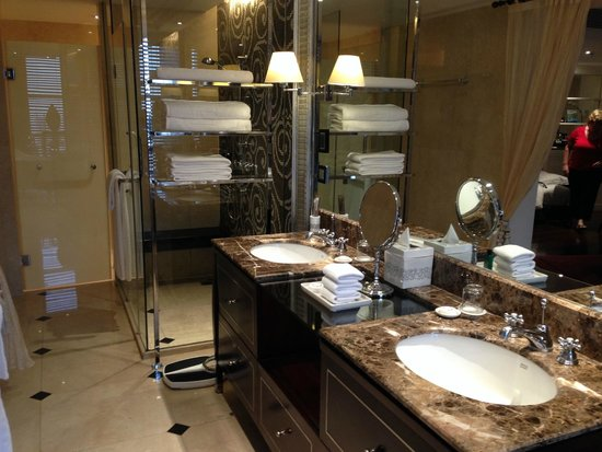 Sofitel Legend Metropole Hanoi : bathroom