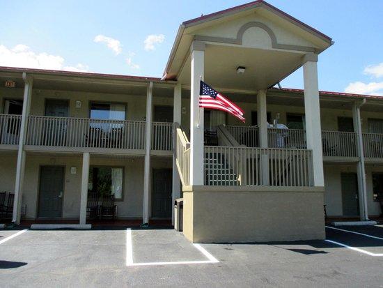 Best Western Mountainbrook Inn: front