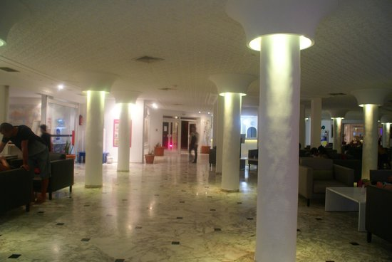 Homere Hotel: Reception/lobby area