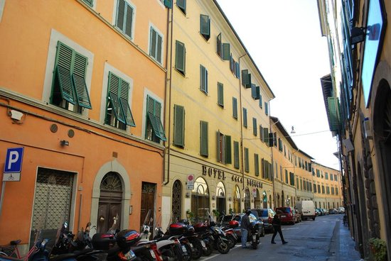 Bologna Hotel Pisa : Building front.