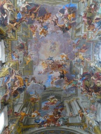 Chiesa di Sant'Ignazio di Loyola: Amazing Ceiling
