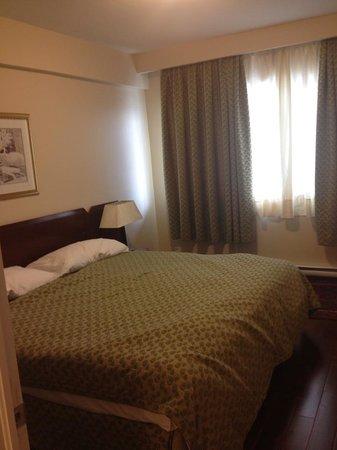 Sunset Suites : Bedroom