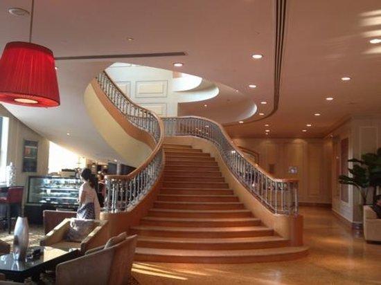 Renaissance Riverside Hotel Saigon: ロビー