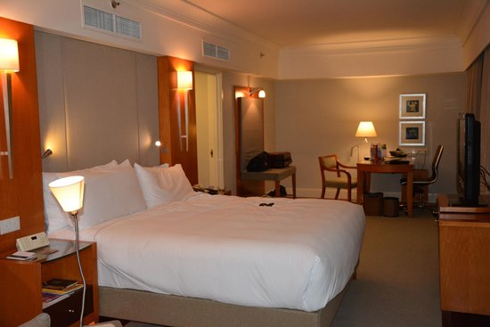 Fairmont Singapore: Room Photo 1