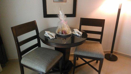 Dreams La Romana Resort & Spa : Fruit basket as a welcome