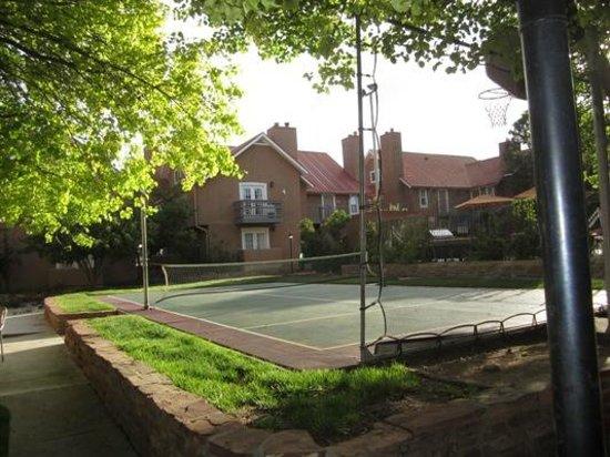 Residence Inn Santa Fe : Tennis court