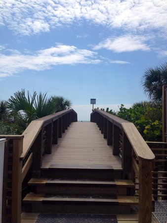 Hilton Cocoa Beach Oceanfront: Best beach access ever!