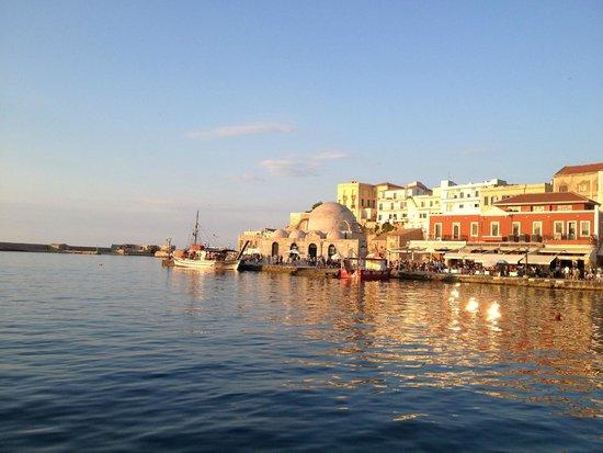 Mama Nena Charming Hotel : Chania Harbour, Crete
