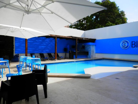 Hotel Blue Concept: piscine