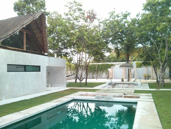 AQUA VIVA Tulum: the pool & garden