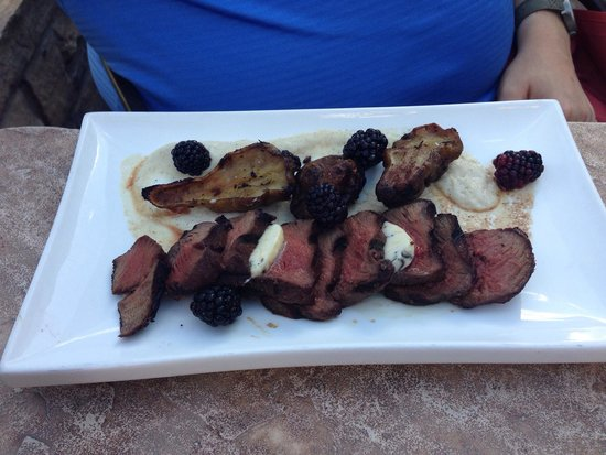 8100 Mountainside Bar & Grill: The elk entree...scrumptious!!