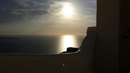 Art Maisons Luxury Santorini Hotels Aspaki & Oia Castle: Sunset from balcony