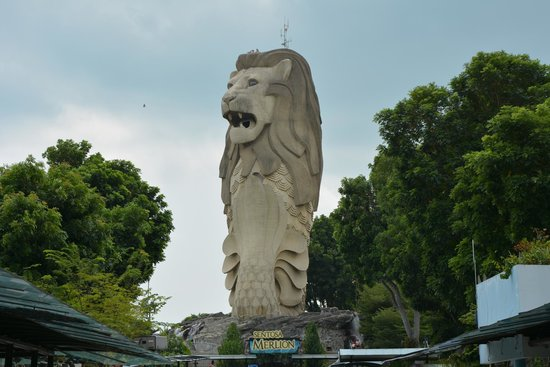 Fairmont Singapore: Merlion (Singapore Symbol)