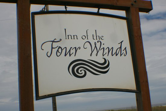 Inn of the Four Winds: Hotel sign