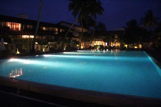 AVANI Bentota Resort & Spa: Pool