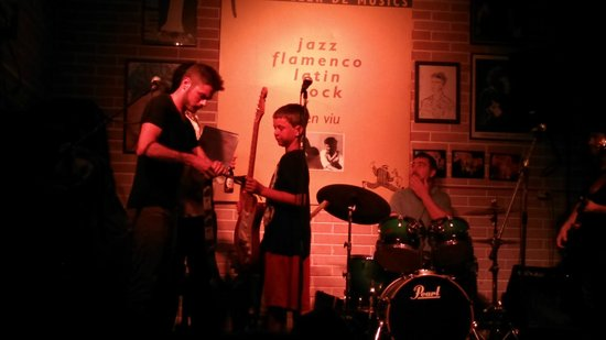 Jazz S' Club/Cafe : Tuesdays are open jam rock/blues/pop night. Great fun.