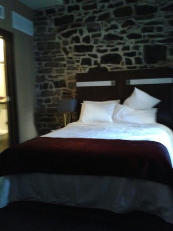Hotel Sainte-Anne: Room 201