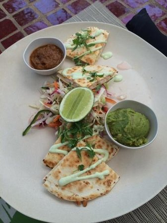 Little Palm Island Resort & Spa, A Noble House Resort : lunchtime quesadillas by the pool!
