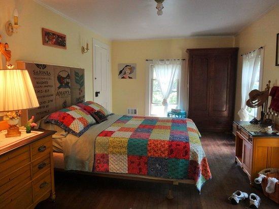 Barnard House Bed and Breakfast: My lovely room