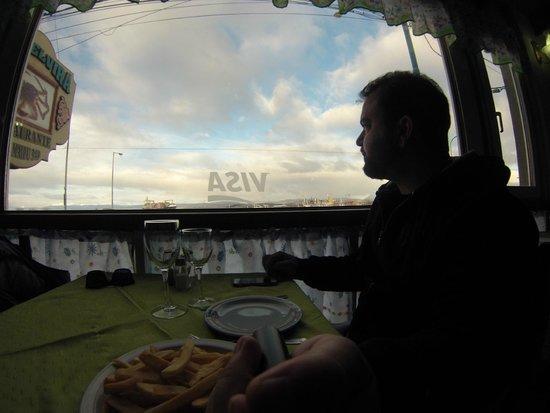 Tia Elvira Restaurante : Bela vista do porto do Canal de Beagle.