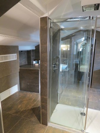 Hotel Campiello: Baño