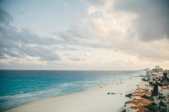 Le Blanc Spa Resort: View from the partial ocean view room