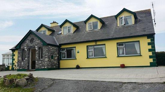Clai Ban: Beautiful Irish Cottage!!