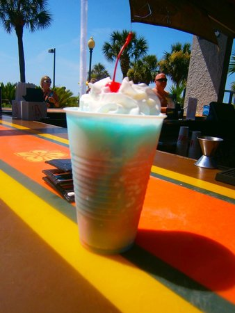 Dayton House Resort: Firecracker frozen drink from the Yella Umbrella snackbar.