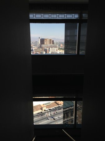 Vdara Hotel & Spa: view of large windows from 2nd story