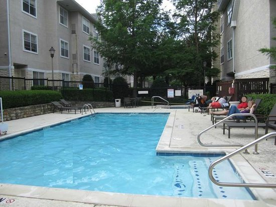 Residence Inn Dallas Park Central: AWESOME pool